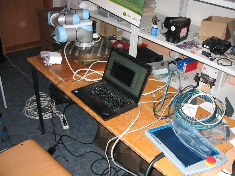 AppleBot (Robotika cz > Articles)